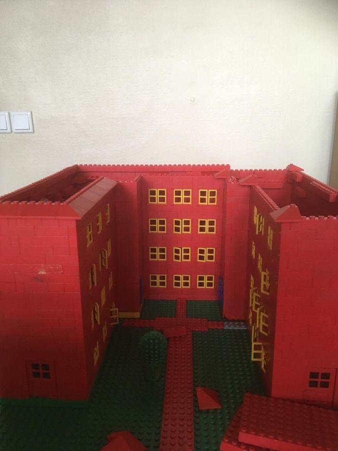 Robinsonschule aus Lego 7