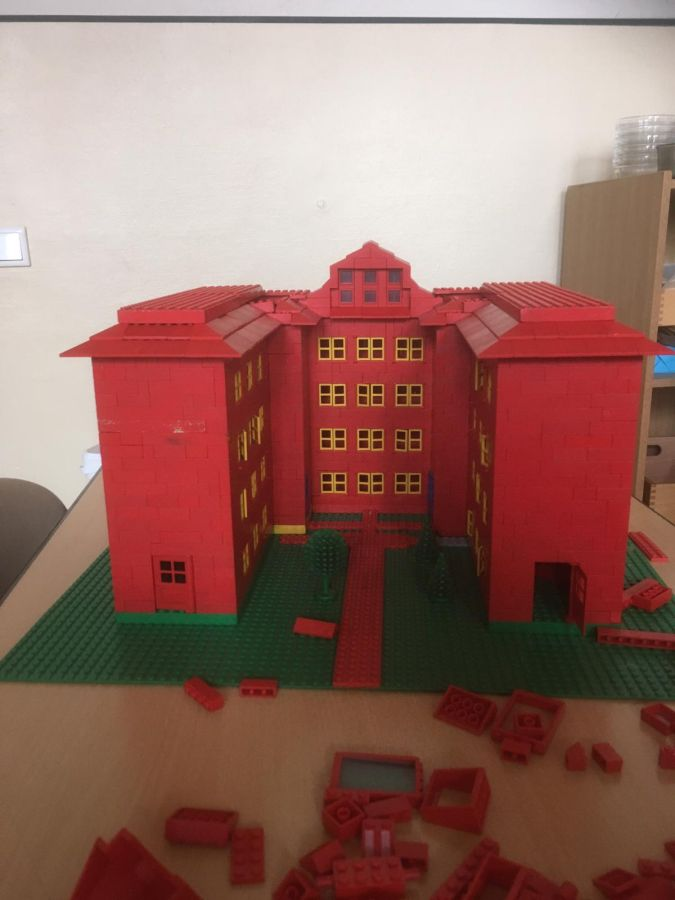 Robinsonschule aus Lego 10