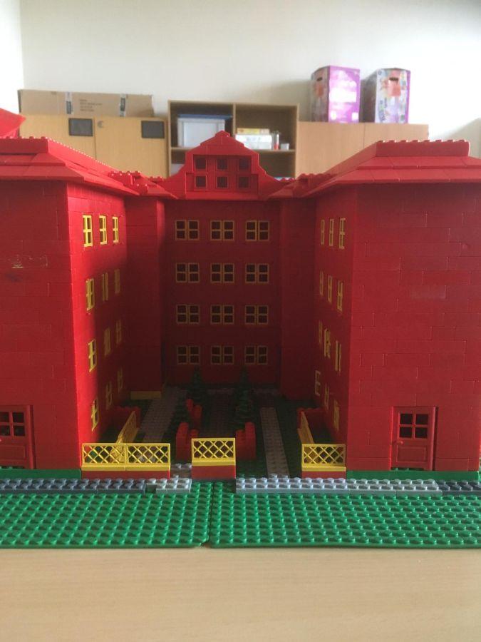 Robinsonschule aus Lego 11
